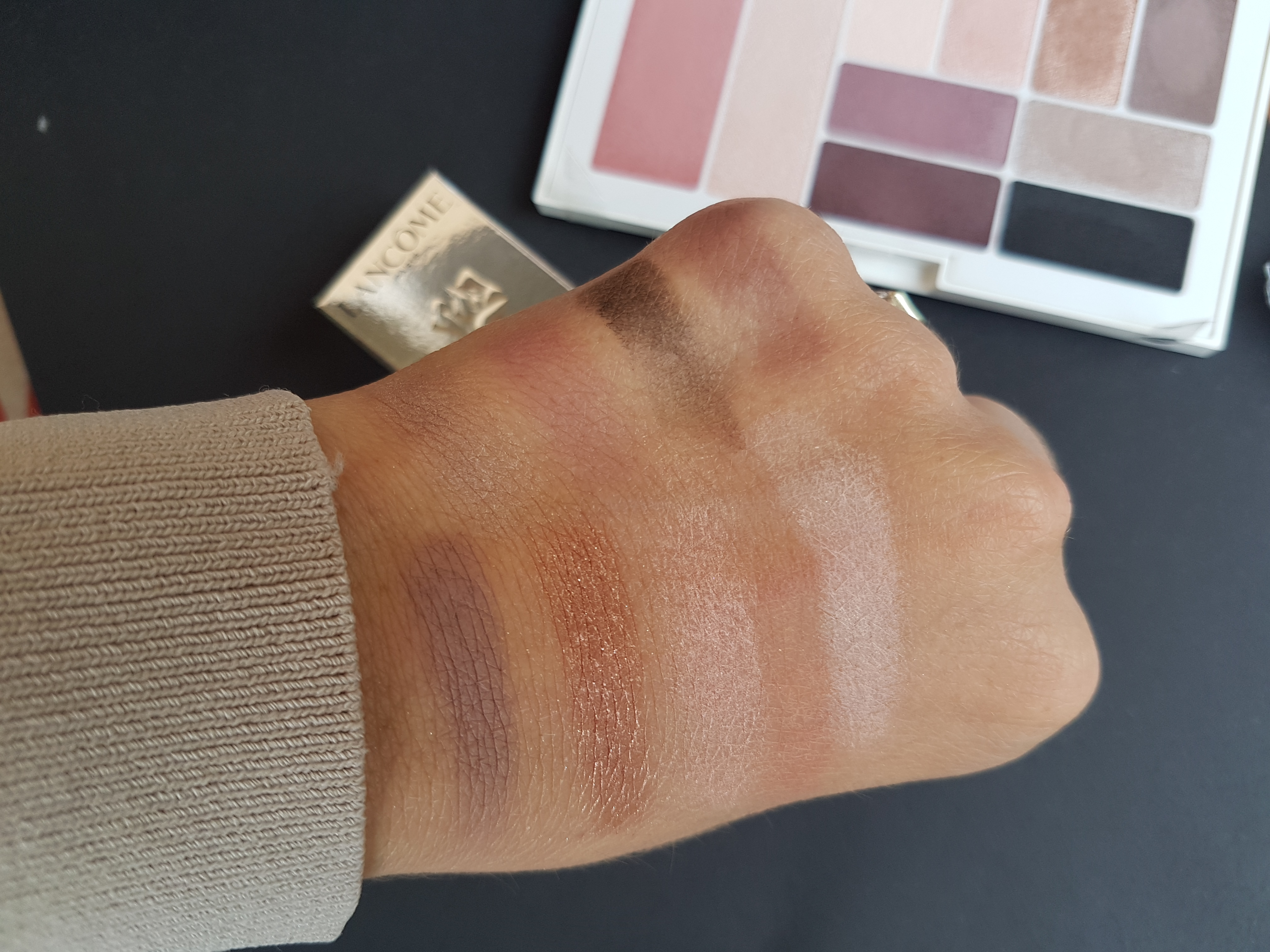 Swatches City Kits Maybelline